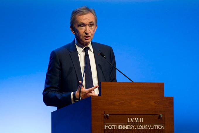 Tỷ phú Bernard Arnault soán ngôi giàu thứ 2 của Bill Gates.Ảnh: Artnews.