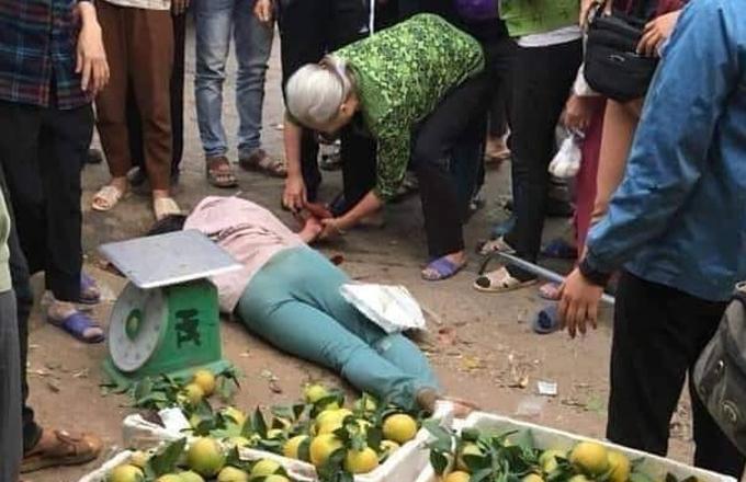 Người phụ nữ bị chém khi xảy ra mẫu thuẫn với chủ hàng dưa.