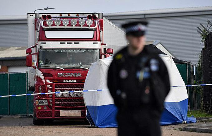 Chiếc xe tải chở 39 nạn nhân người Việt bị chết ở hạt Essex hôm 23/10. Ảnh: AFP.