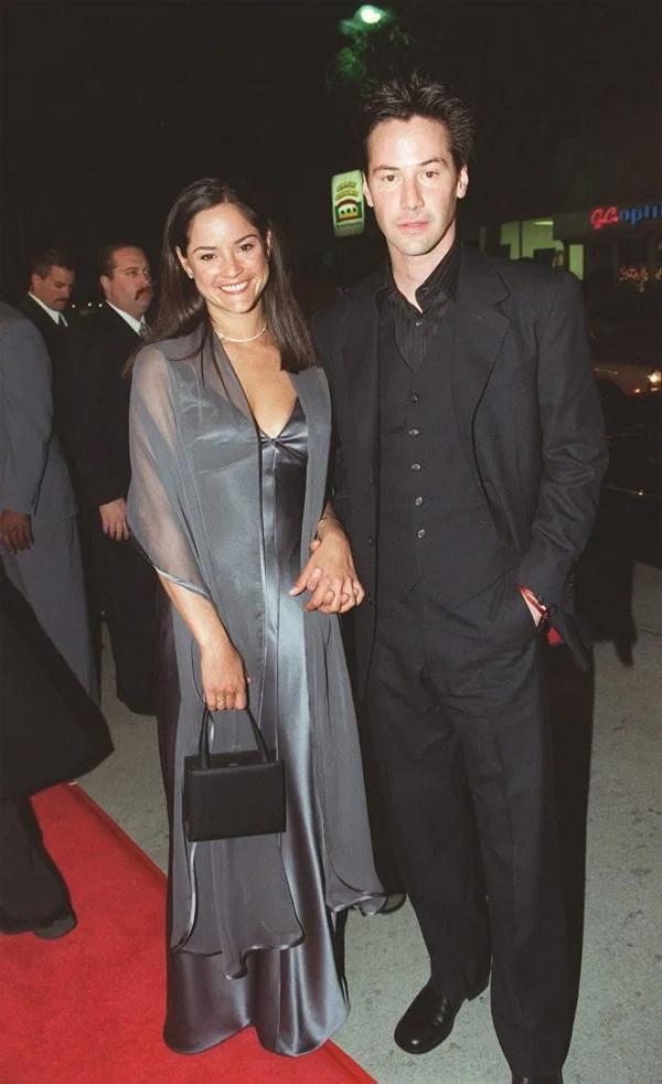 Keanu và em gái tại lễ ra mắt phim Ma trận năm 1999.
