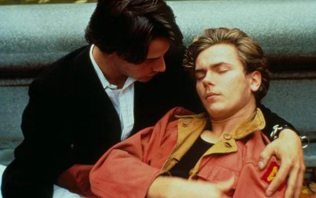 Keanu (trái) và River Phoenix (phải) trong phim My Own Private Idaho.