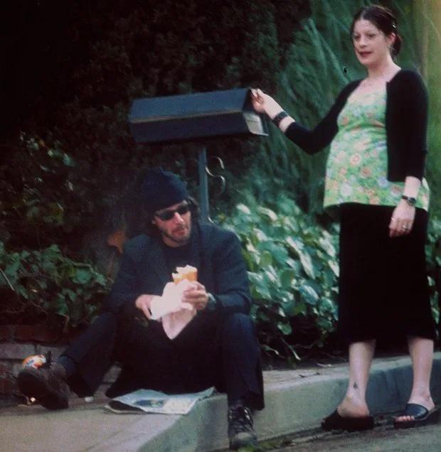 Keanu và bạn gái năm 1999.