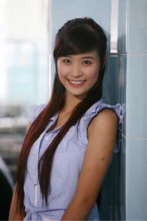 Ca sĩ gốc Hà Nội còn lấn sân diễn xuất qua một số phim: Giải cứu thần chết, Thứ ba học trò, Công chúa teen và ngũ hổ tướng...