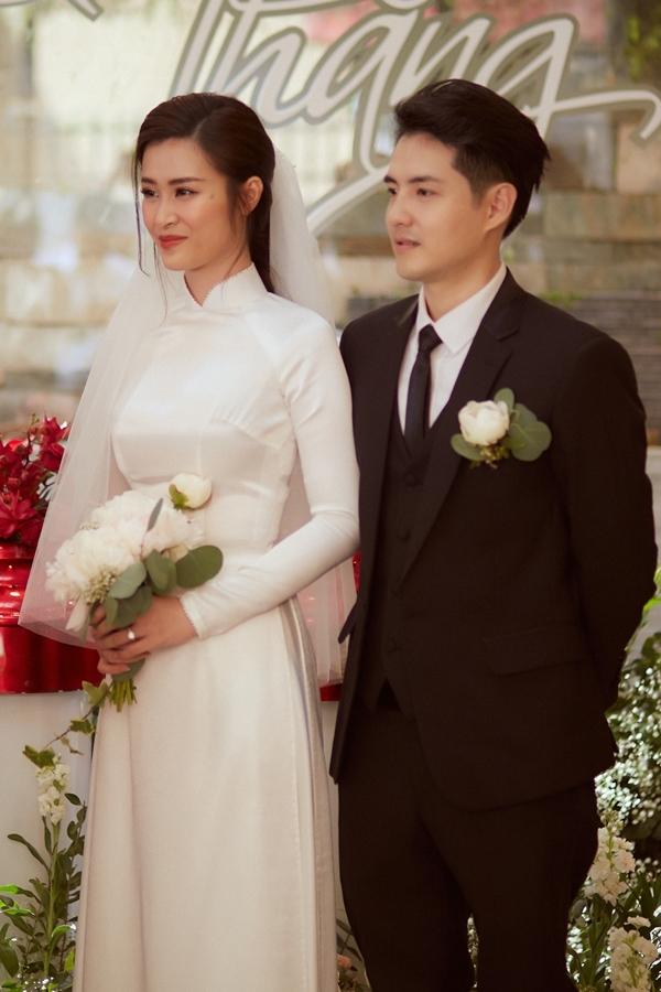 Đông Nhi hạnh phúc bên bố mẹ trong lễ vu quy - 4