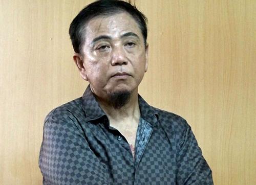 Bị cáo Hồng Tơ tại tòa án ngày 8/11.