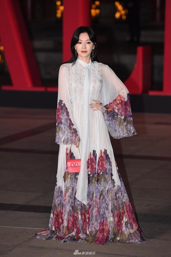 Góp mặt tại sự kiện có nhiều ngôi sao tên tuổi như diễn viênTần Lam.