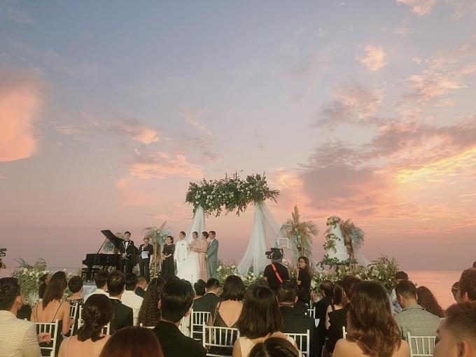 Không gian lễ cưới của Đông Nhi - Ông Cao Thắng.
