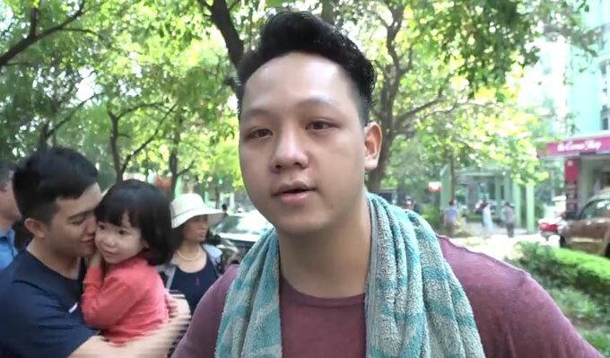 Anh Thái kể lại khoảnh khắc không thở nổi khi khói đen sộc vào nhà. Ảnh: Nguyễn Ngoan.