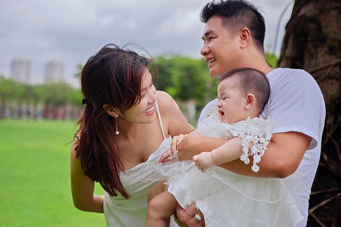 Oanh Yến hiện kinh doanh bất động sản và spa tại TP HCM. Cô hài lòng với hạnh phúc đang có.