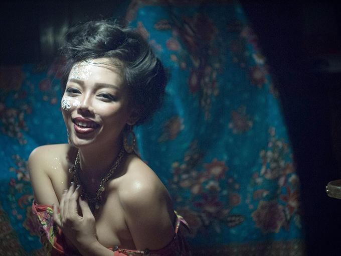 Ca sĩ Hà Linh.