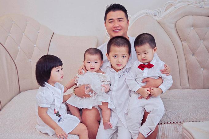 Ông xã của Oanh Yến là doanh nhân. Anh kinh doanh thành công ở lĩnh vực bất động sản.