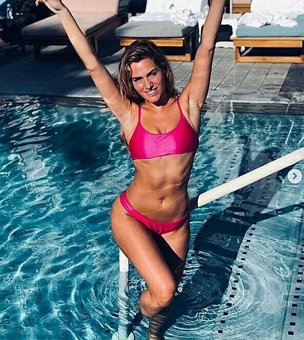 Giống với Giggs, nữ người mẫu kiêm DJ rất thích đến phòng gym tập luyện để có vóc dáng cân đối.