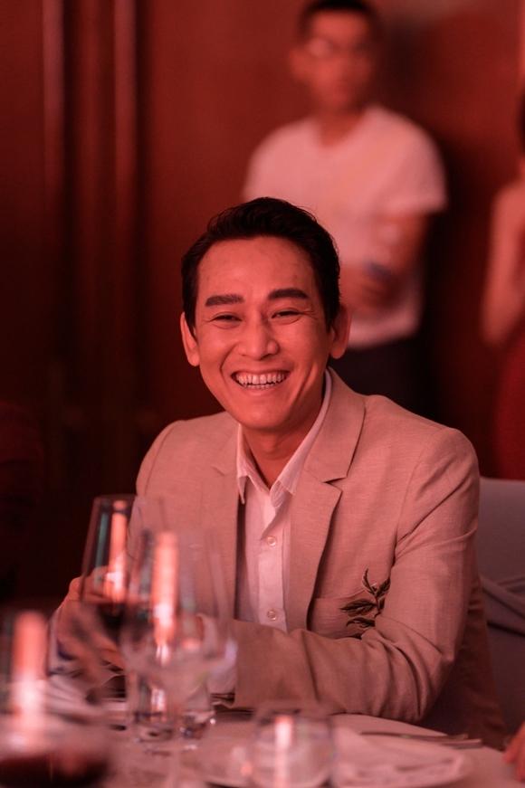 Tới Đà Nẵng cùng với Trần Bảo Sơn có diễn viên Hứa Vĩ Văn. Tài tử là khách mời quen thuộc của Gặp gỡ mùa thu từ năm 2013 tới nay. Đêm qua, anh trao giải Diễn viên triển vọng cho học viên thuộc khóa Diễn xuất cơ bản.