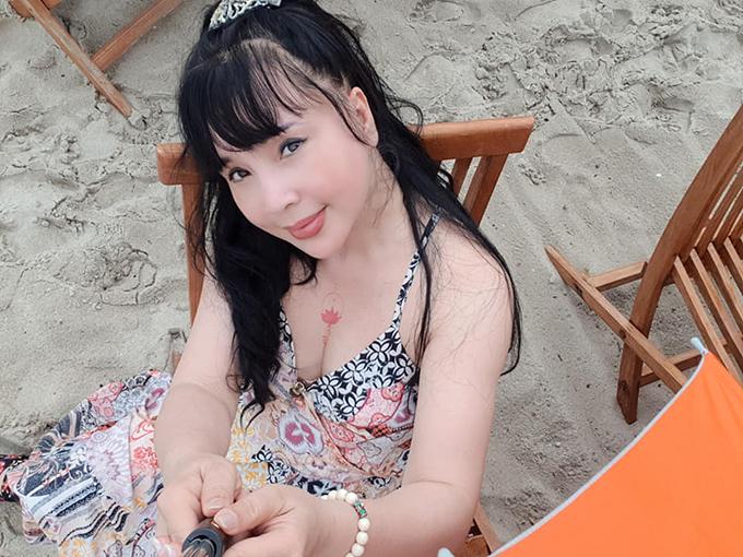 NSND Lan Hương có sở thích mặc trang phục gợi cảm.