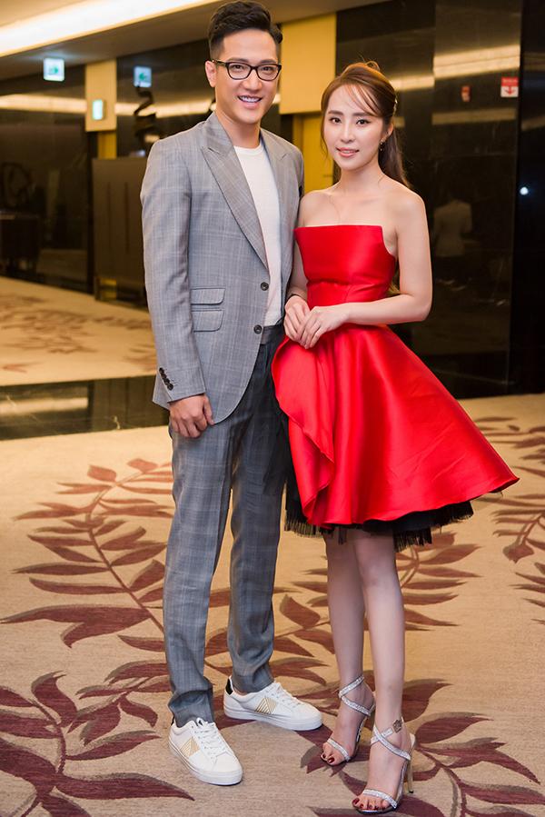 Quỳnh Nga và Chí Nhân tại họp báo ra mắt phim Sinh tử.