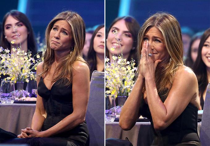Jennifer Aniston xúc động giành giải Biểu tượng