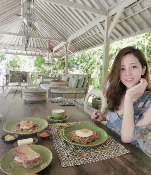 Em gái Ông Cao Thắng mê check in đồ ăn - 8