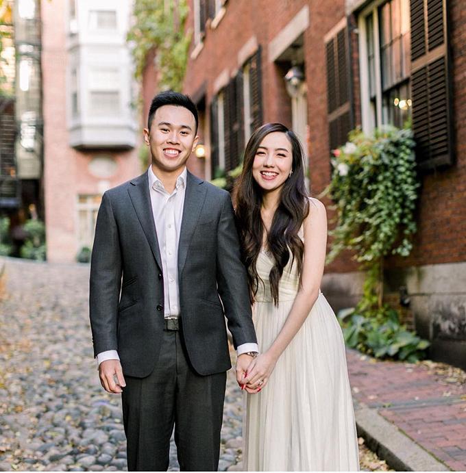 Ngày 12/11, hot girl Mie và chồng Dũng Anh đã cử hành lễ thành hôn ở Hà Nội. Mie Nguyễn sinh năm 1994, là hot girl đình đám của Sài thành trước khi lên đường sang Mỹ du học. Uyên ương đã có 3 năm yêu kín tiếng trước khi tiến đến hôn nhân. Vào tháng 9/2018, Mie Nguyễn được Dũng Anh - du học sinh Mỹ cầu hôn. Sau đó, cả hai đã chụp ảnh cưới ở Paris, Pháp và tại Hội An.