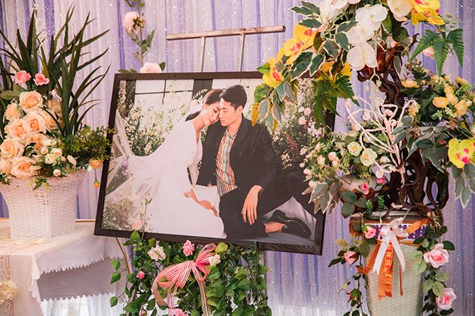 Và ảnh cưới của cặp vợ chồng chụp ở TP HCM, Đà Lạt.