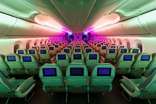 Du khách có cơ hội du lịch khắp nơi trong dịp cuối năm hay đầu năm mới với máy bay có chỗ ngồi thoải mái.