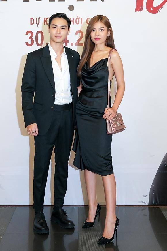Người mẫu Chúng Huyền Thanh cùng chồng - ca sĩ Jay Quân đến họp báo. Jay Quân từng đóng chính trong phần 4 của Lật mặt, lần này anh tham gia một vai nhỏ.