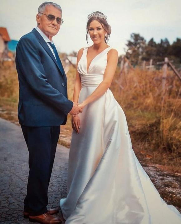 Milijana (24 tuổi) lấy ông Milojko (74 tuổi) hồi tháng 9. Ảnh: Instagram.