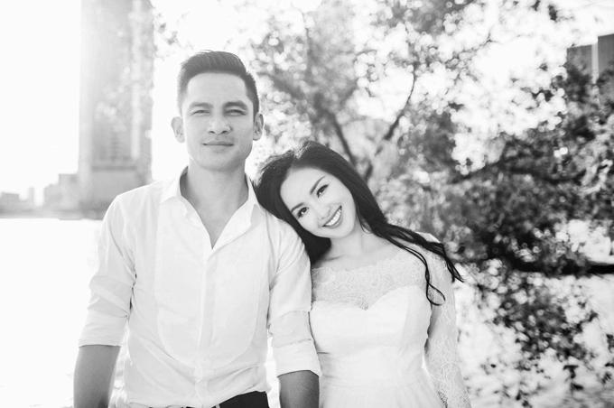 Ở bộ ảnh này, các tấm hình được chỉnh màu đen trắng theo ý tưởng của cô dâu.