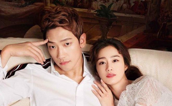 Kim Tae Hee và ông xã Rain.
