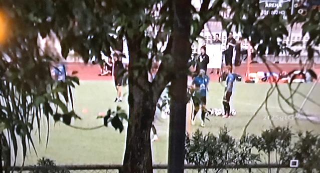 Hình ảnh buổi tập của Thái Lan được phát trên truyền hình Malaysia.