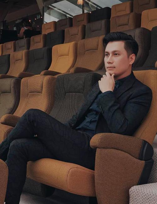 Việt Anh tích cựcpose ảnh khoe nhan sắc ngày càng hoàn hảo sau phẫu thuật thẩm mỹ.