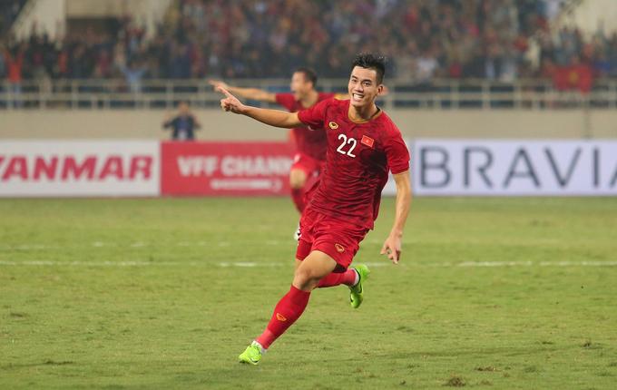 Tiến Linh khiến tuyển UAE khốn khổ