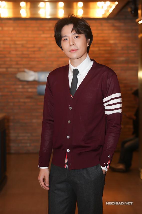 Trịnh Thăng Bình chịu trách nhiệm sản xuất MV và hết lòng hỗ trợ Liz Kim Cương ra mắt MV solo đầu tiên. Anh kỳ vọng bạn gái cũ sớm khẳng định tài năng với công chúng trong tương lai gần.
