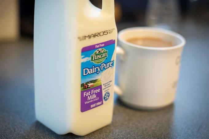 Dairy Pure, một thương hiệu sữa của Dean Foods. Ảnh: CNN.