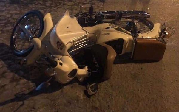 Xe máy của chị Hương hư hỏng sau va chạm với ôtô tối 9/11.