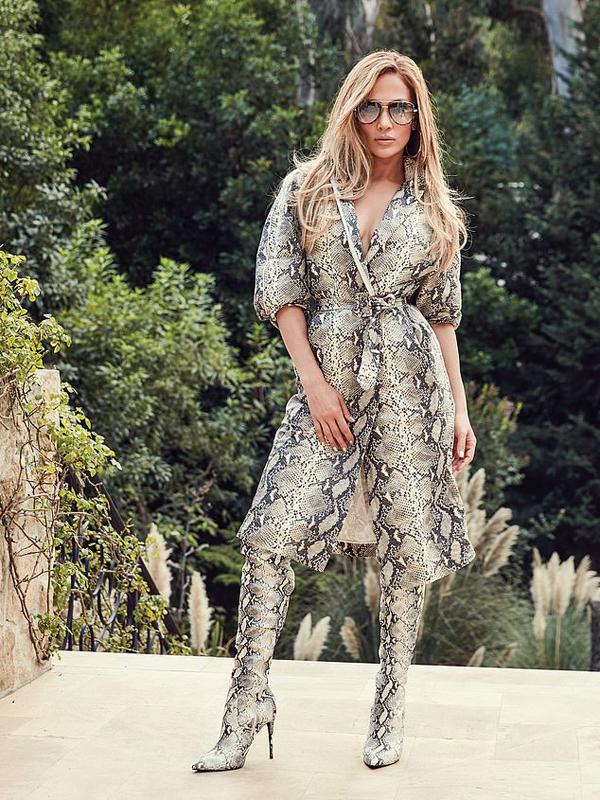 Jennifer đã cộng tác với thương hiệu Quay Australia để thiết kế bộ sưu tập kính mắt mới.