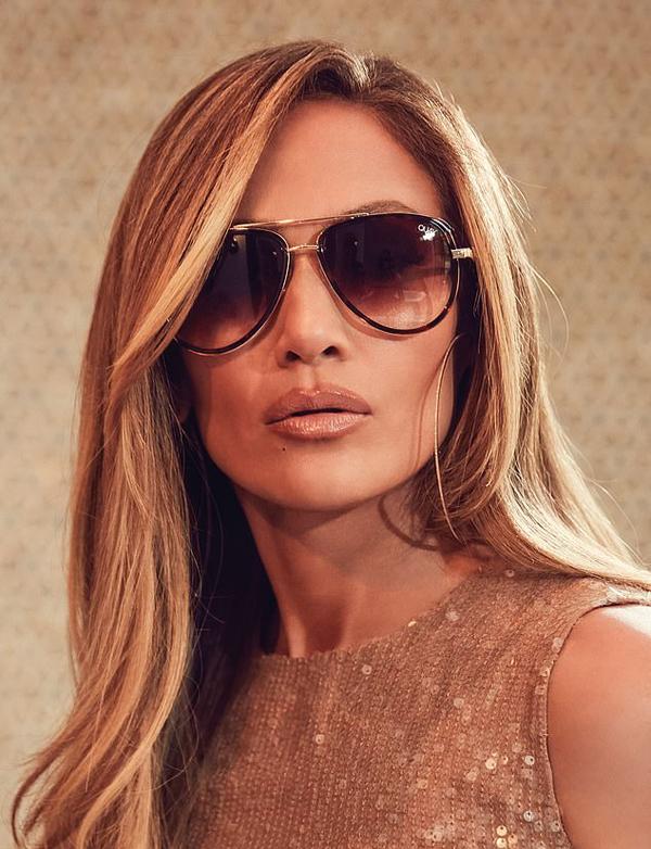 Không chỉ là một diễn viên, ca sĩ, vũ công tài năng, Jennifer còn rất năng động trong công việc kinh doanh thời trang.