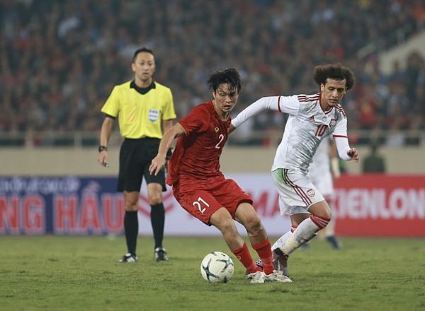 Tuấn Anh chơi nổi bật ở hàng tiền vệ giúp Việt Nam kiểm soát thế trận. Ảnh: Lâm Thỏa.