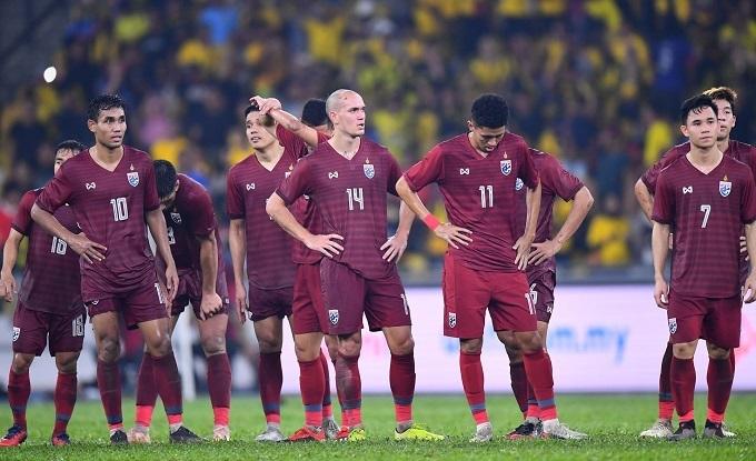 Cầu thủ Thái Lan thất vọng sau trận thua Malaysia.