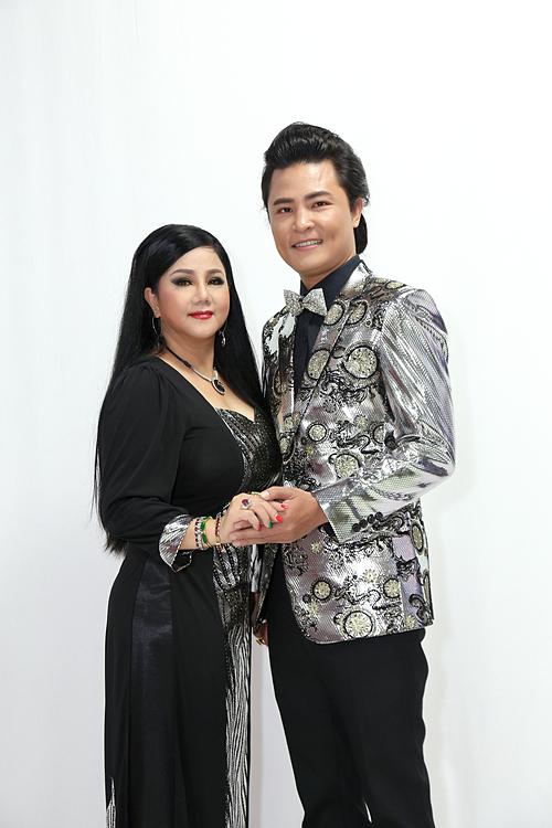Chuyển sang hát nhạc bolero, Ngọc Ánh có nhiều thay đổi để phù hợp với Ngọc Tùng. Cặp đôi sẽchia sẻ nhiều chuyện đời - chuyện nghề trong talkshow Chuyện của Sao phát sóng lúc 20h15ngày 16/11 trên VTV9.
