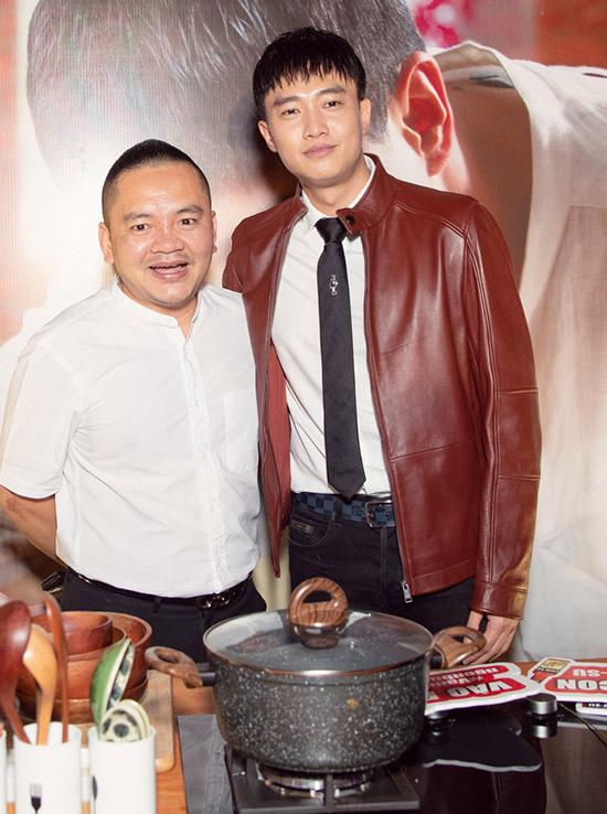 Quốc Trường mời đầu bếp Võ Quốc làm cố vấn ẩm thực, hỗ trợ anh thực hiện dự án Vào bếp đi con.
