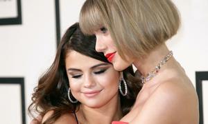 Selena Gomez 'tan vỡ con tim' trước nỗi đau của Taylor Swift