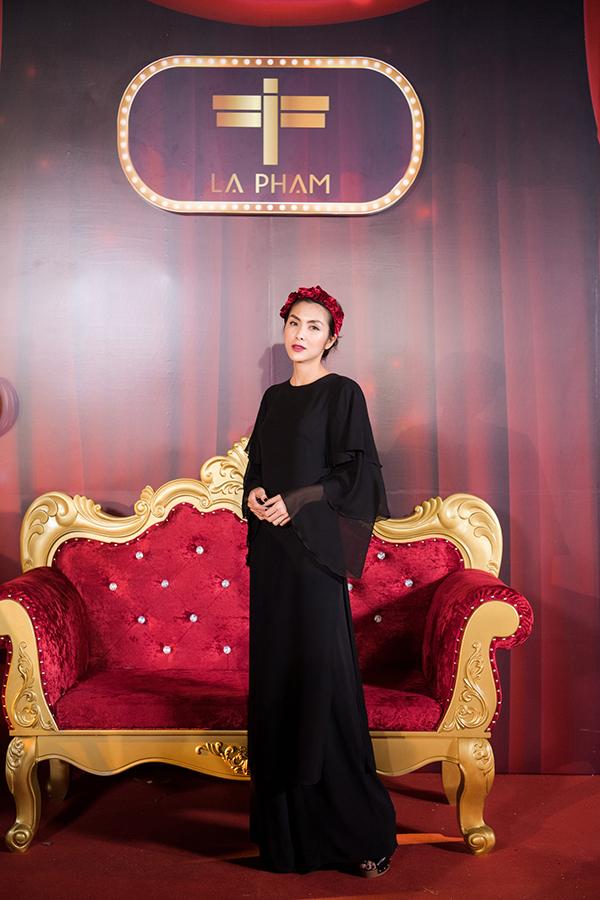 Nữ diễn viên Bỗng dưng muốn khóc được rất nhiều người hỏi thăm vì gầy đi trông thấy và cho biết mình bị axit dạ dày nên không ăn uống được mấy và đã giảm cân đôi chút.