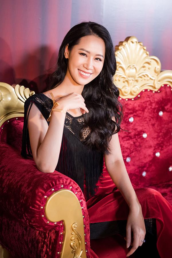 Hoa hậu Dương Thuỳ Linh.
