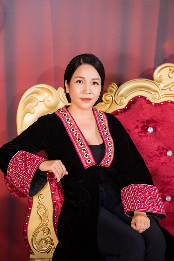 Ca sĩ Mỹ Linh hiếm hoi dự sự kiện. Gần đây, cô ít nhận show diễn để dành thời gian phát triển trường dạy nhạc.