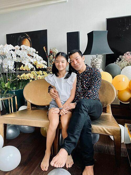 Bé Bảo Tiên được nhận xét có ngoại hình giống bố.