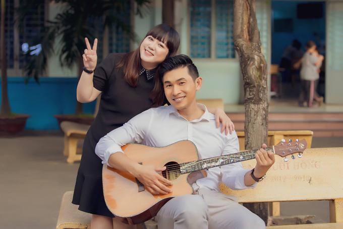 Buổi ghi hình diễn ra trong vài tiếng để Nguyễn Hồng Ân kịp đi Hà Nội diễn ngay trong buổi tối.