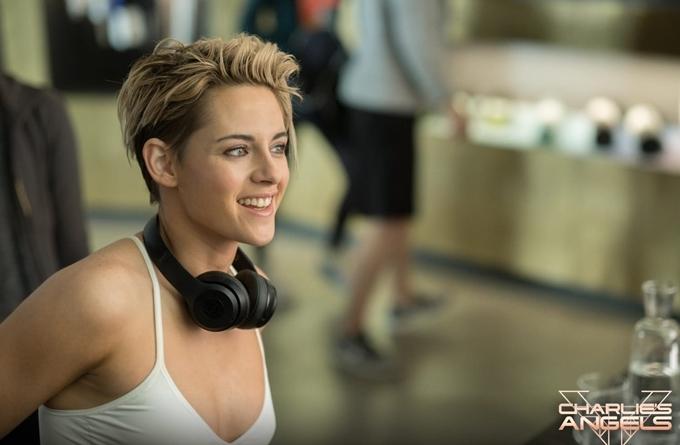 Kristen Stewart sexy và ngầu trong phim.