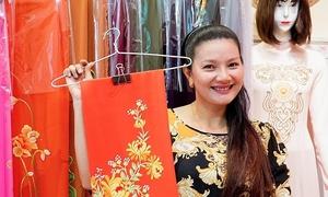 Kiều Trinh mở tiệm may áo dài