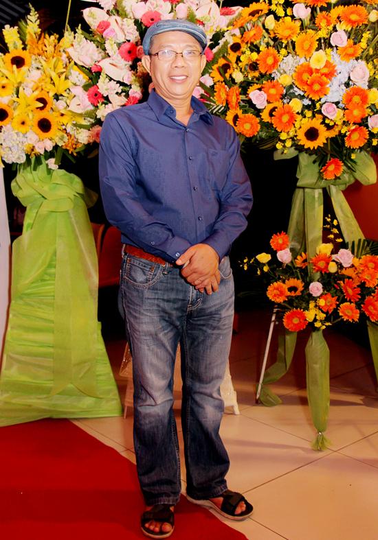 Nghệ sĩ Trung Dân với trang phục giản dị dự sự kiện tối 18/11.
