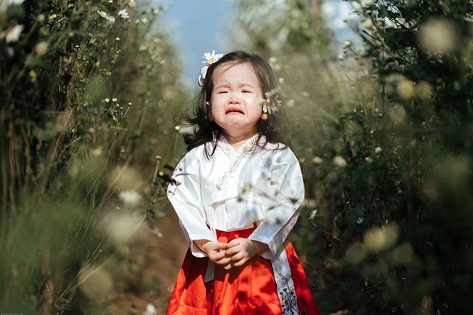 Nhân vật chính trong bộ ảnh của nhiếp ảnh gia Sơn Vũlà con gái anh - bé Táo (tên thật: Vũ Hoài An. Loạt ảnh được ra đời nhanh chóng chỉ trong 10 phút khi